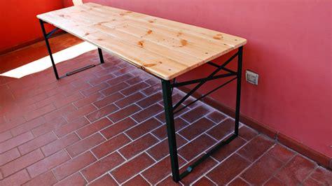 come fare un tavolo allungabile costruire un tavolo pieghevole con i pallet fai da te