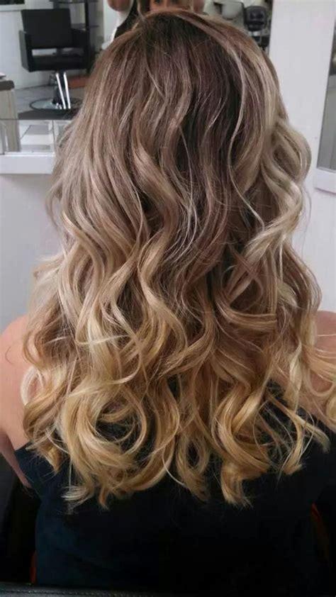 220 ber 1 000 ideen zu short balayage auf pinterest perfect brunette to blonde ombre gorgeous blonde ombre