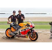 Repsol Honda Shows 2015 MotoGP Bike But Some Says It's