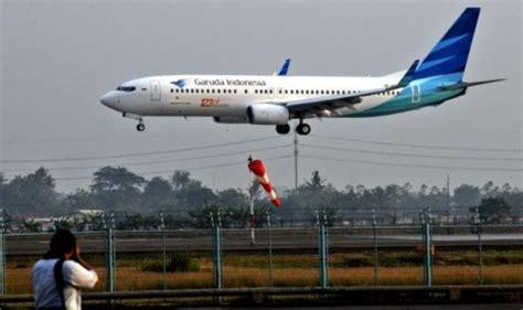 cara naik pesawat garuda di bandara juanda garuda indonesia kembali terbangi jakarta taipei