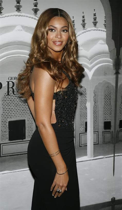 A Closer Look At The Oscars Beyonce Knowles by Beyonce Knowles Photos Photos Giorgio Armani Celebrates