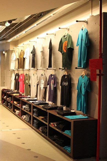 7 Great Stores For Look Clothes by 26 Best Ideas Girft Shop T Shirt Retail Display Ideas
