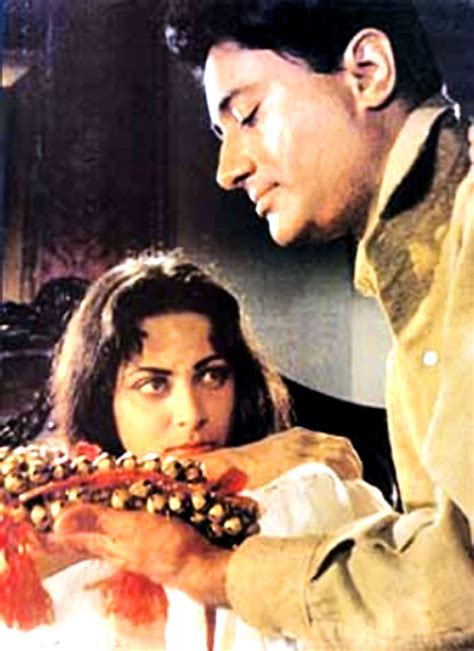 Waheeda Rehman Guide Movie Hairstyles Photo | classic revisited guide is as glamorous as it is soulful