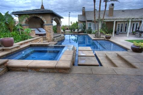 Best Photos Around The World Backyards That Make Awesome Backyards With Pools