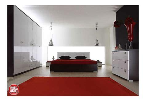 schlafzimmer set schwarz maxy schlafzimmer set i schwarz wei 223 hochglanz