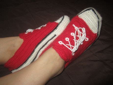 converse house slippers 1000 ideas about crochet converse on pinterest converse slippers crocheting and