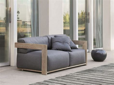 canape de jardin en bois le canap 233 de jardin embellit votre espace ext 233 rieur