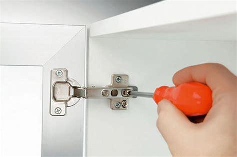 cerniere per cassetti gli accessori e la ferramenta