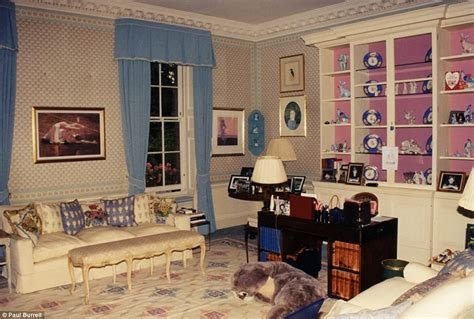 apartments in kensington palace inside diana s kensington palace apartment daily mail online
