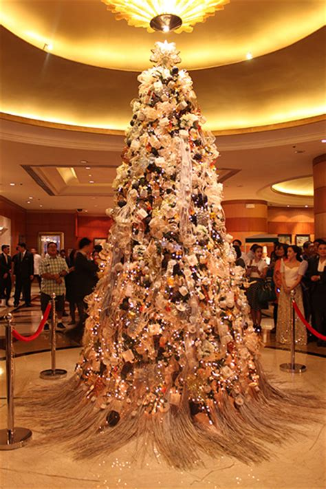 christmas tree in tagalog paskong at pan pacific manila s tree lighting ceremony cook magazine