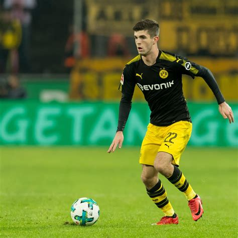 christian pulisic manchester united christian pulisic talks transfer rumours supporting