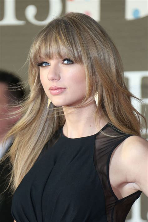 what colours does taylor swift use for ash blonde hair taylor swift s hairstyles hair colors steal her style