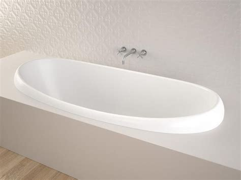 reece bathtubs caroma pearl 1750 island bath from reece bathrooms