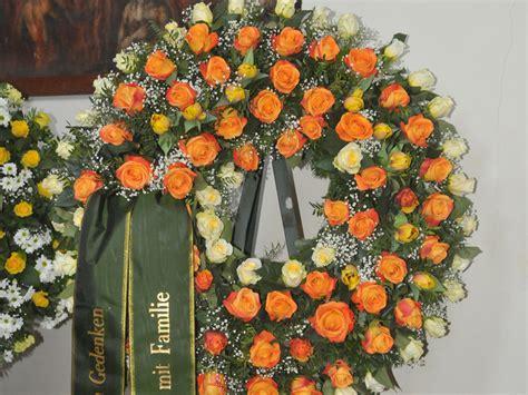 fiori funerale fiori per funerale fiori per funerale e corone funebri