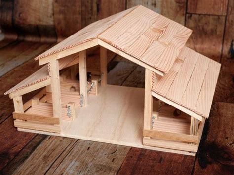 handgefertigte holz spielzeug scheune mit 8 st 228 nden - Scheune Holz Spielzeug