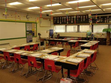 25 best ideas about classroom desk arrangement on