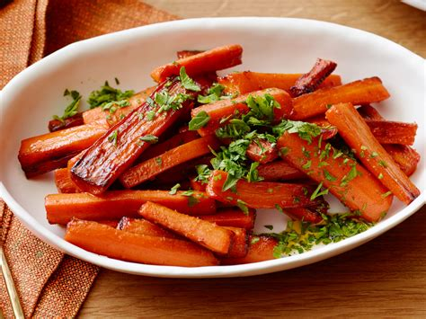carrots for thanksgiving recipe glazed carrots recipe damaris phillips food network