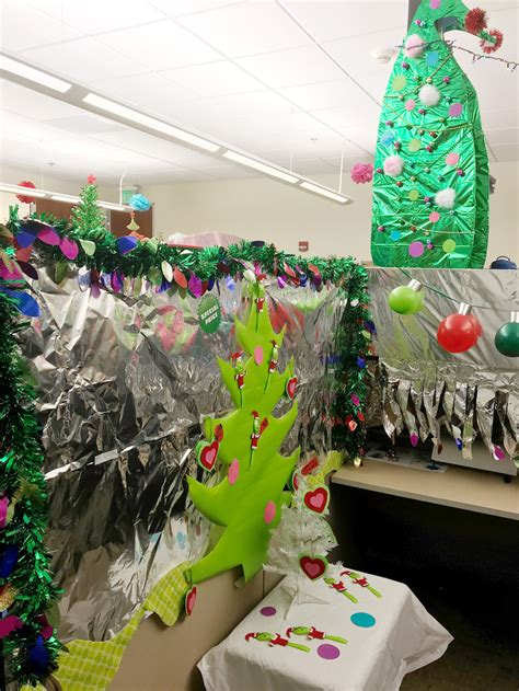 christmas decorating themes   office hipsave