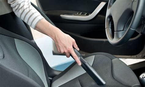 comment nettoyer siege auto comment nettoyer les si 232 ges de votre voiture comme un vrai