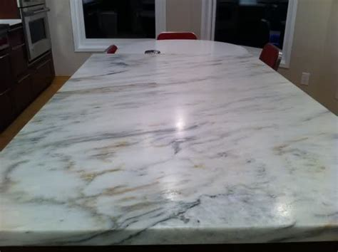 Countertop That Looks Like Marble 17 best ideas about quartz countertops on gray