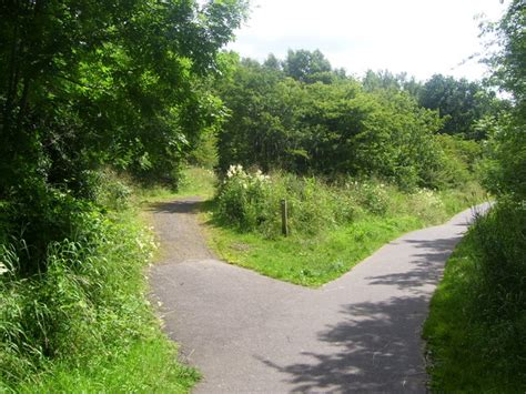 park pathways 169 ross watson cc by sa 2 0 geograph britain and ireland