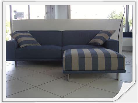 pouf divani divano con pouf divani a prezzi scontati