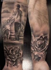 tatuaje de personas rosas flores