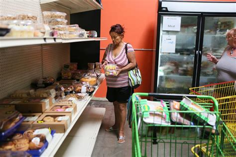 Food Pantry Open On Friday by Food Pantry Nourishes Hopes Las Vegas Review Journal