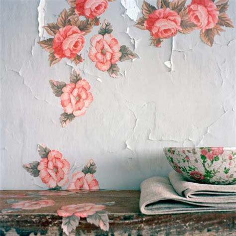 Decoupage Photos Onto Wood - pour une d 233 co brute partie i laissez parler les murs