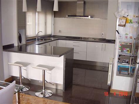 cocina en casa con cocina con barra desayunos deco kitchens ideas para and kitchen design