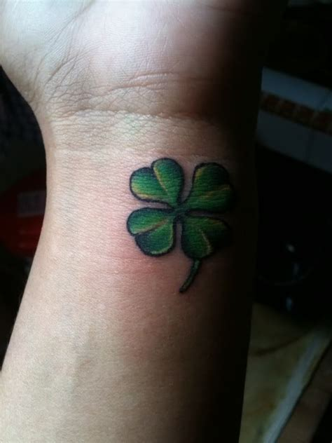 four leaf clover tattoo meaning 25 best ideas about four leaf tattoos on