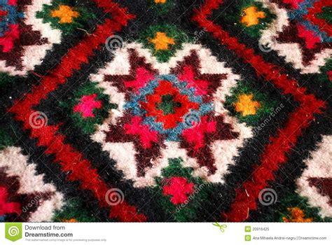 bunter teppich bunter gesponnener teppich stockbild bild farbe