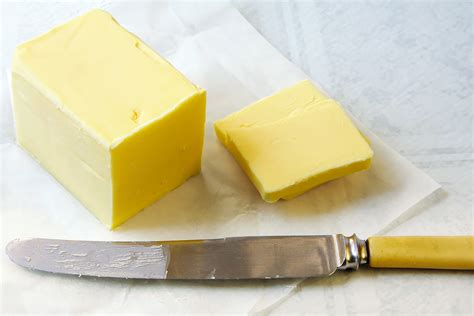 butter or margarine better butter vs margarine what s the best choice myfooddiary