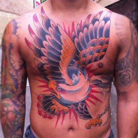 tattoo old school petto tatuaggio petto old school aquila pancia di sacred tattoo