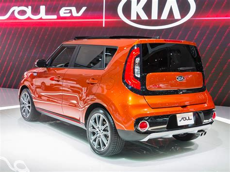 Kia Turbo 2017 Kia Soul Turbo Review Kelley Blue Book