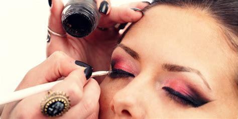 Eyeliner Terbaik memilih eyeliner yang terbaik untuk mata vemale