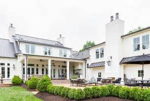 Sherwin Williams Greek Villa Southern Home With Neutral Interiors Home Bunch
