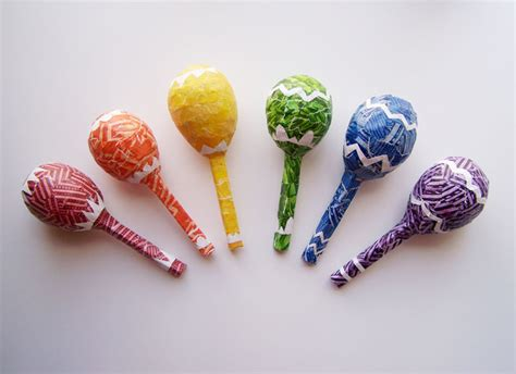 Handmade Maracas - tutorial paper mache maracas all around