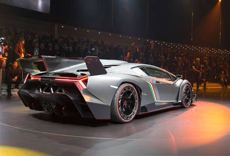 How Fast Is The Lamborghini Veneno Four Wheeled Future Just How Fast Should A 1 Million