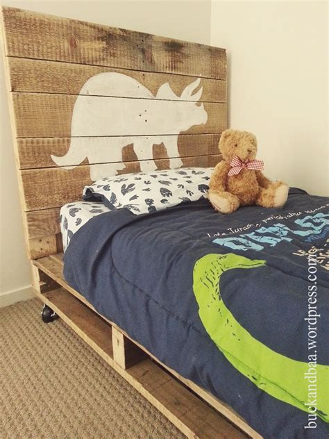 dinosaur bedrooms dinosaur headboard kids decor pinterest room