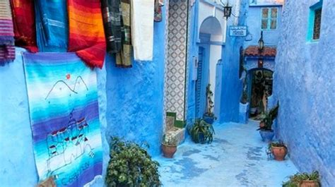moroccan decor  blue color bring cool moroccan style