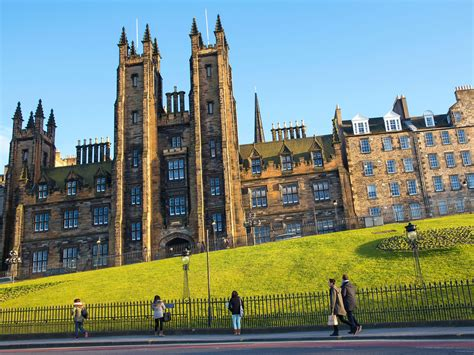 Mba Courses Scotland by Edinburgh Graduation Fashion Advice Article
