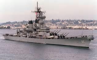 warship iowa class battleship dimensions
