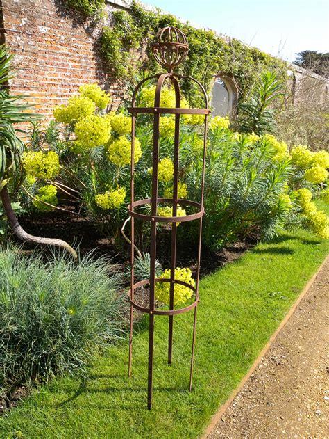 garden obelisks support  plants sturdy  bar steel