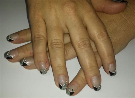 Zwarte Gelnagels foto s zwarte nagels nageltips zwart gelakt nagelsalon