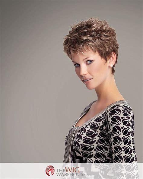 pixie haircuts with bump at crown les 81 meilleures images du tableau coiffures sur