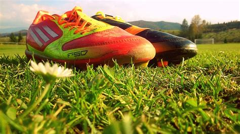 Sepatu Bola Merek Nike merek adidas sepatu newhairstylesformen2014
