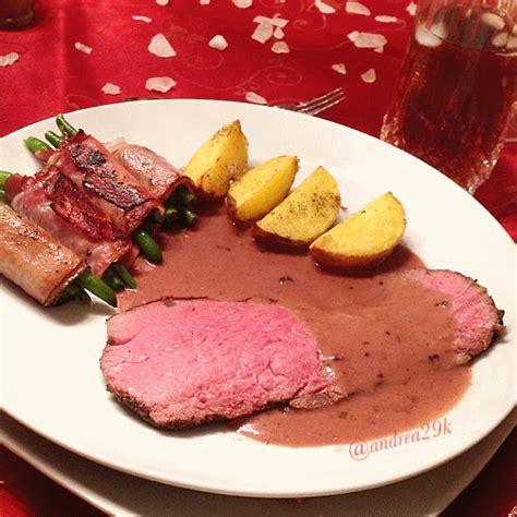 vorhänge zartrosa roastbeef mit rosmarinkartoffeln und speckbohnen c b