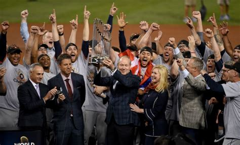 houston s team houston s title 2017 world chion astros books cool groovy astros defeat dodgers in 7 to
