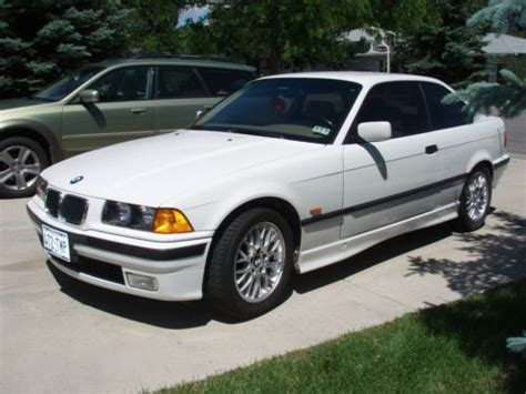 Bmw 323is by Sell Used 1998 Bmw 323is Base Coupe 2 Door 2 5l In